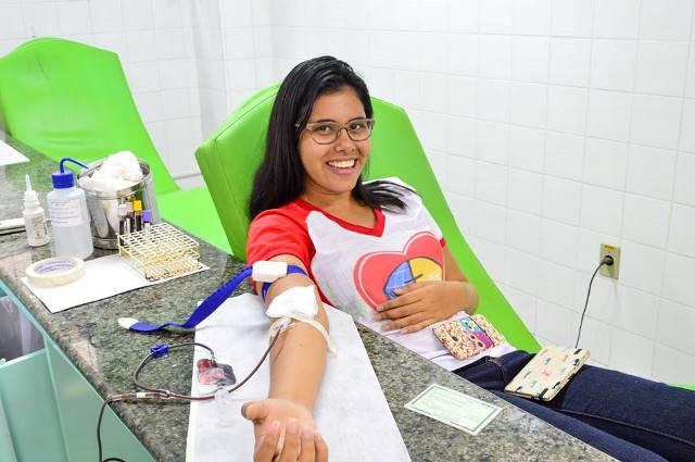Jovens da Igreja Adventista incentivam doação de sangue