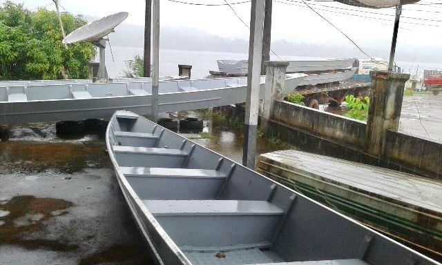 Aldeias de difícil acesso recebem novas embarcações