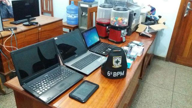 Bando que furtava lojas de informática é preso