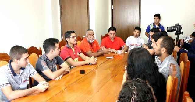 Em Santana, prefeitura deve R$ 1 milhão do passe livre estudantil