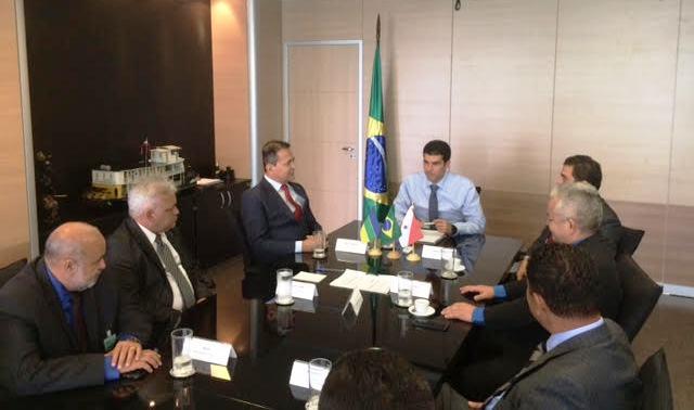 Em Brasília, prefeitos pedem apoio contra enchentes