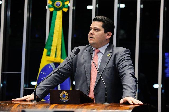 Presidência do Senado: Davi é apontado como o mais viável para enfrentar Renan
