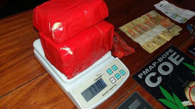 Preso com quase 2 kg de crack, traficante tinha até seguranças