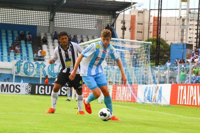 Santos-AP joga com força total no primeiro duelo com Paysandu