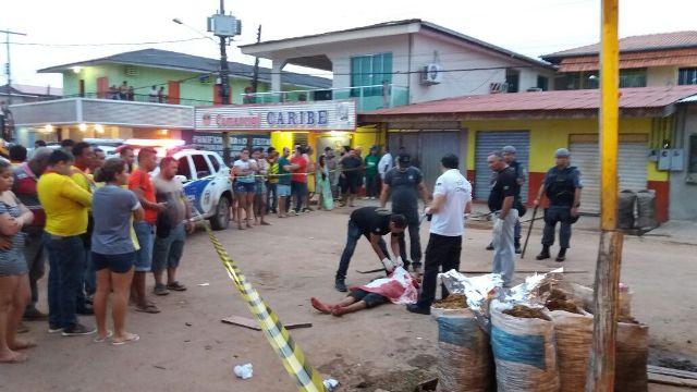 Jovem é morto a facadas no Araxá