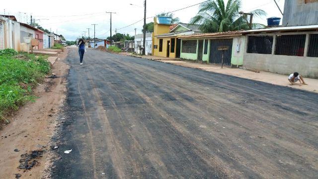 Moradores questionam durabilidade de asfalto
