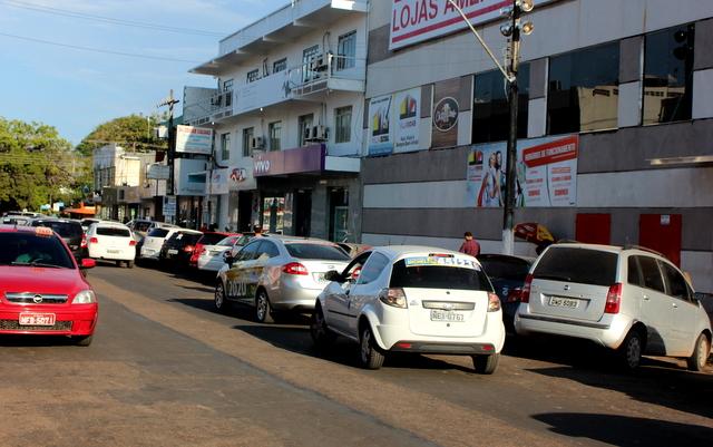 Implantação de estacionamento rotativo deve ter participação da sociedade