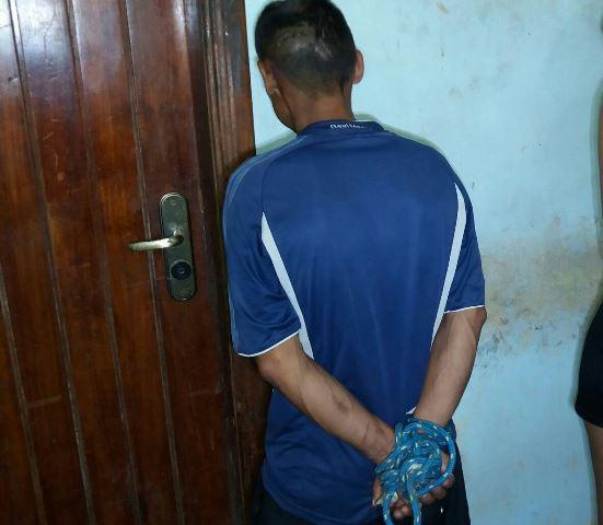 Dono de lanchonete amarra acusado de furto