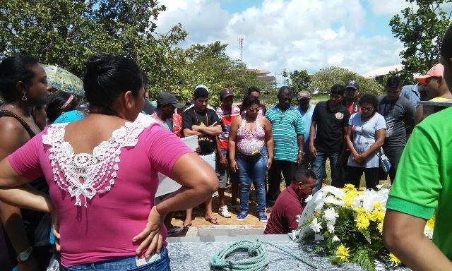 Vigia da OAB é sepultado pela família