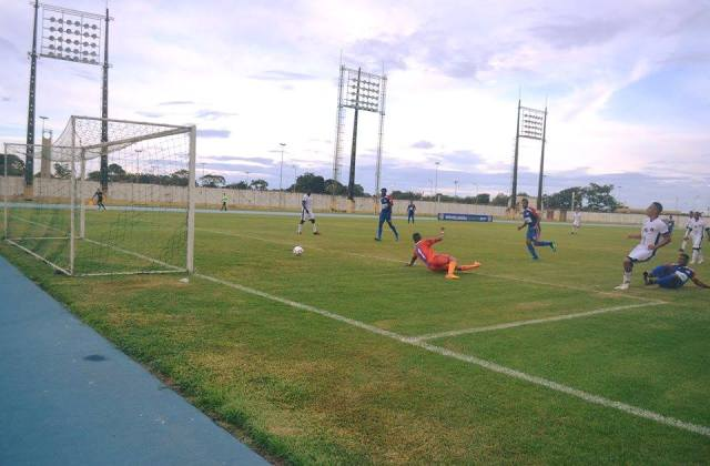 Santos-AP vence a primeira de goleada