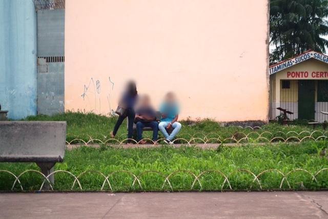 Estudantes consomem drogas em praça de Macapá