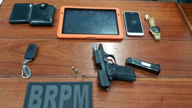 Trio é preso com pistola furtada