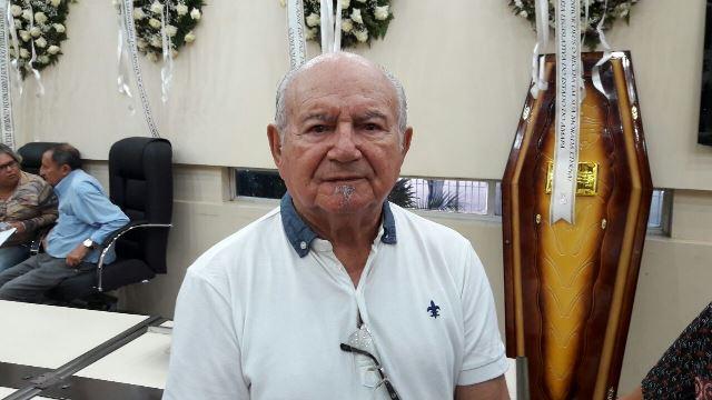 """""""Contribuiu mais do que eu poderia"""", diz irmão de Antônio Munhoz"""