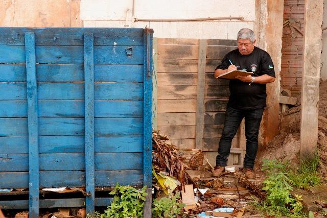 Em Macapá, morador é notificado por despejar aterro no canal