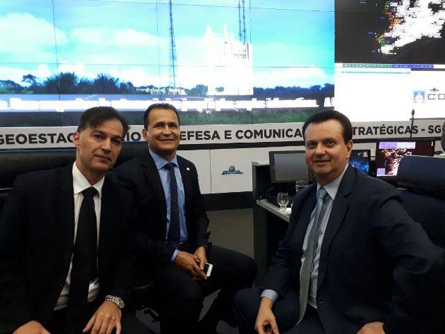 Deputado diz que satélite brasileiro vai ampliar banda larga