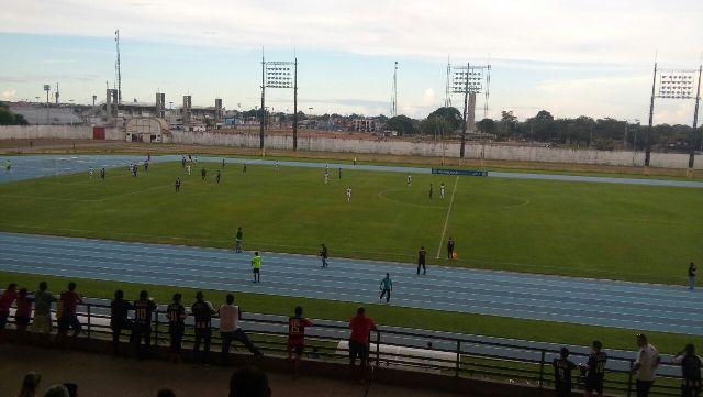 Crônica: Futebol ao sol do Equador