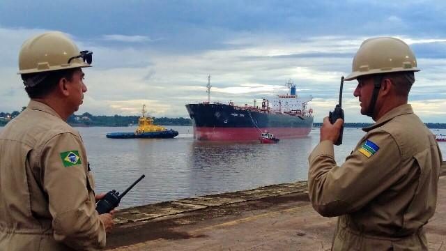 Santana vira ponto de transbordo para combustíveis