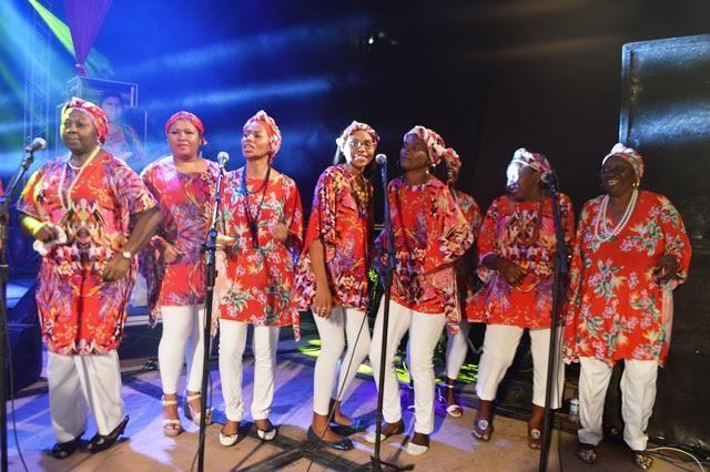 Virada Afro inicia com feira do empreendedor e shows