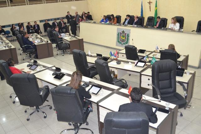 Indefinição sobre mesa diretora atrasa concurso público da Assembleia