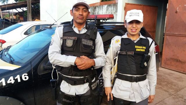 Policiais de trânsito apreendem 1 kg de maconha