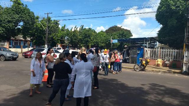 """""""Qualquer um entra"""", diz funcionário em protesto por mais segurança no HE"""