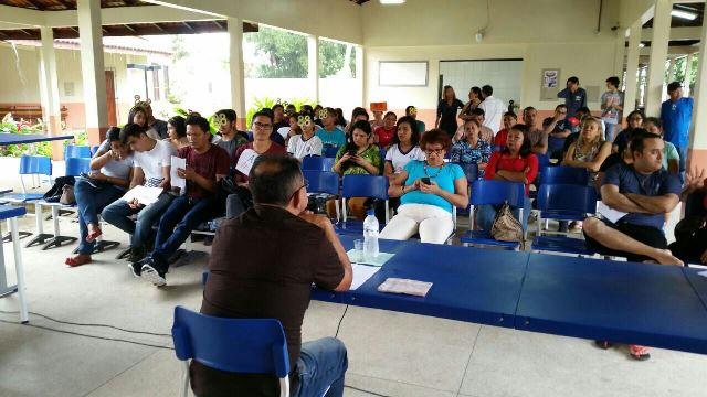 Em escola de Santana, candidatos a diretor participam de debate