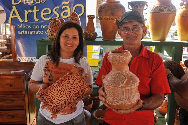 Família expõe artes Maracá e Cunani na Festa de São Tiago