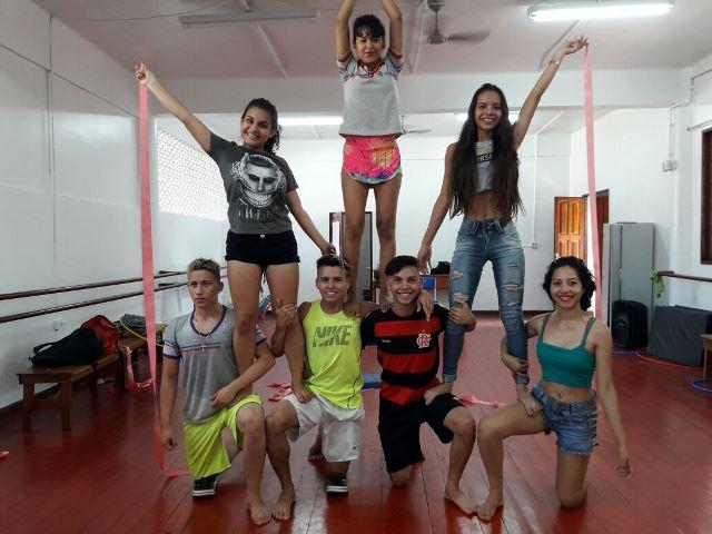 Aulas de zumba e pilates são oferecidas no Colégio Amapaense