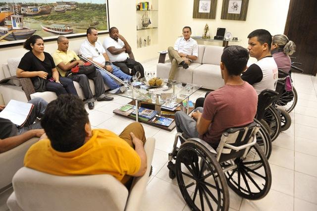 GEA define agenda com entidades de deficientes físicos