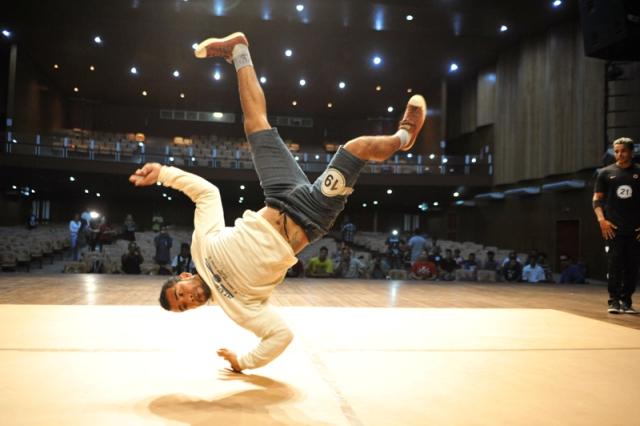 Seis do AP estão na final de competição hip-hop