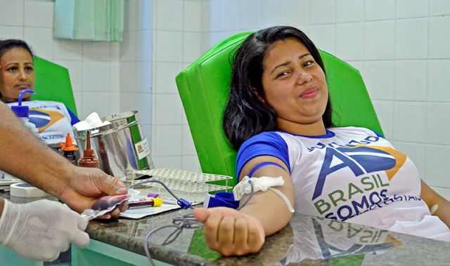 Mais de 100 jovens da Assembleia de Deus realizam doação coletiva de sangue
