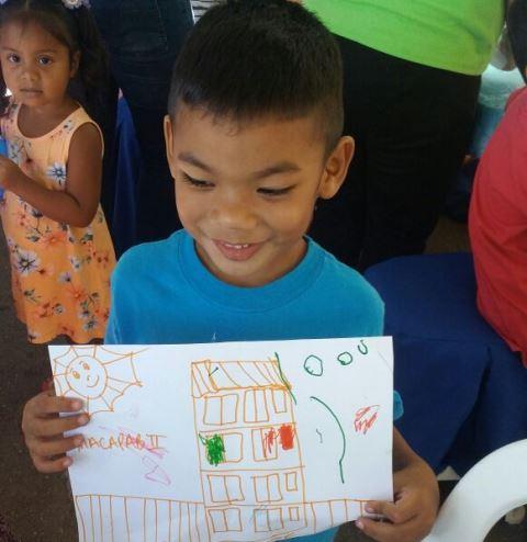 Macapaba II: Durante vistorias, crianças desenham o futuro lar