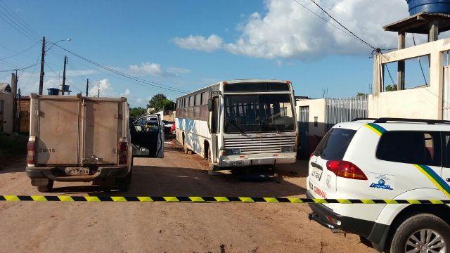 Mecânico morre esmagado por ônibus
