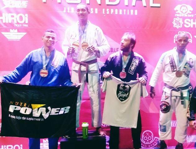 Atleta que fez rifa se torna vice-campeão Mundial de Jiu-Jitsu