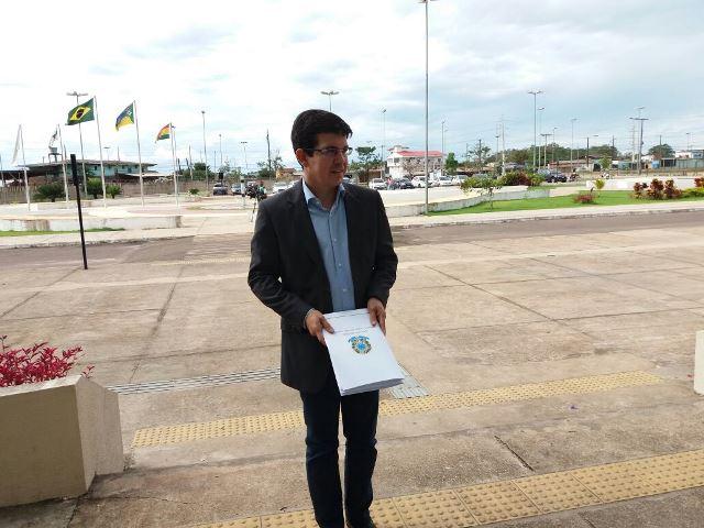 Randolfe diz que disputa governo se PSB apresentar ampla aliança