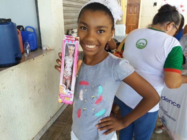 No Beirol, crianças ganham presentes e adultos recebem atendimentos