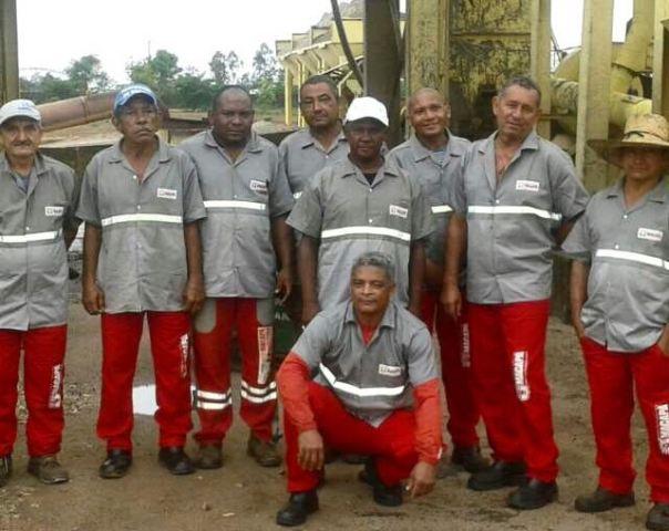 Dia dos Pais: trabalhadores da Usina de Asfalto recebem homenagem