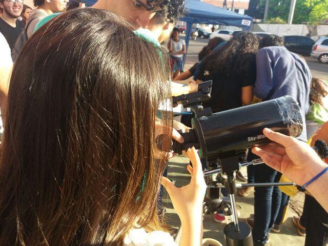 Eclipse mobiliza jovens em Macapá