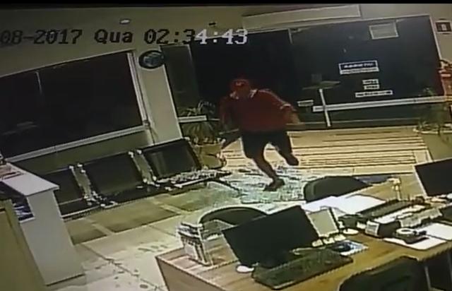 Mais uma loja é atacada no Centro; assista