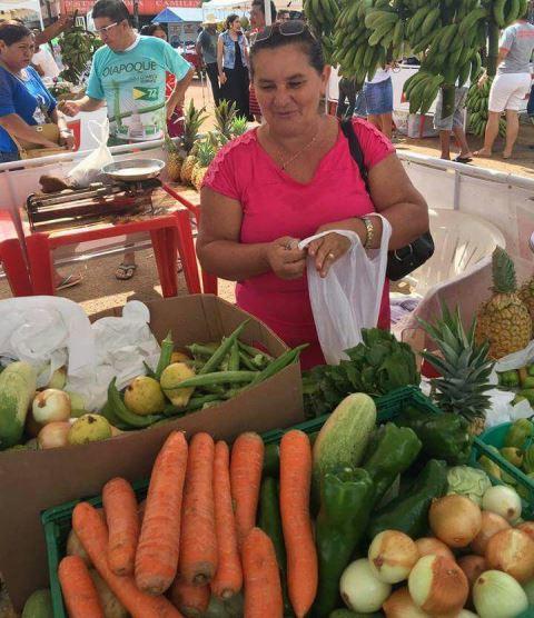 Em Oiapoque, feira aproxima produtores e consumidores
