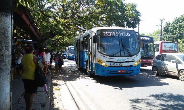Mesmo com decisão da Justiça, passagem de ônibus continua R$ 3,25