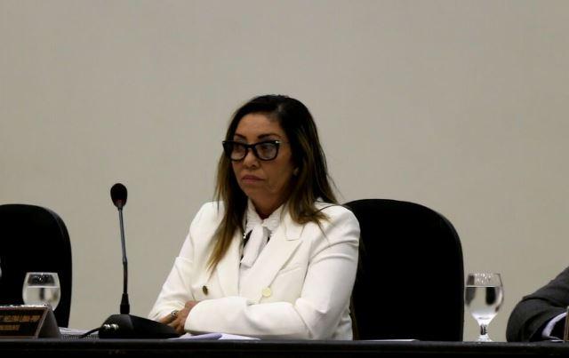 Santana: Vereadora antecipa eleição da mesa diretora e gera polêmica