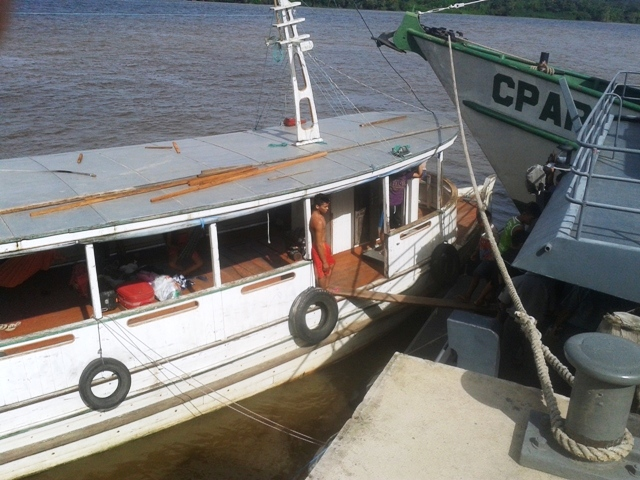 Treze embarcações são apreendidas e uma pessoa é presa pela Marinha