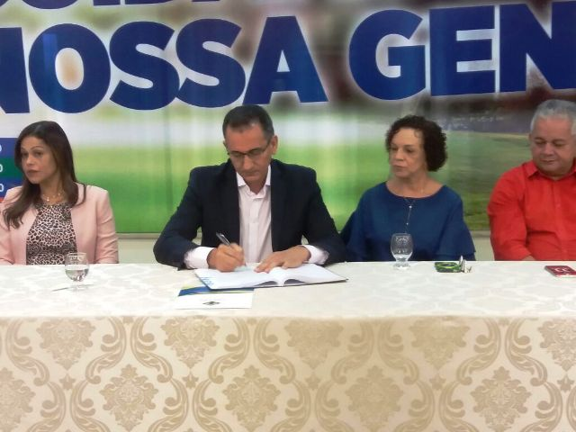 Waldez anuncia mudanças no primeiro escalão do governo