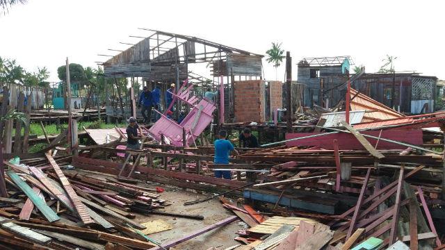 Justiça manda demolir passarelas em área desocupada para evitar nova invasão