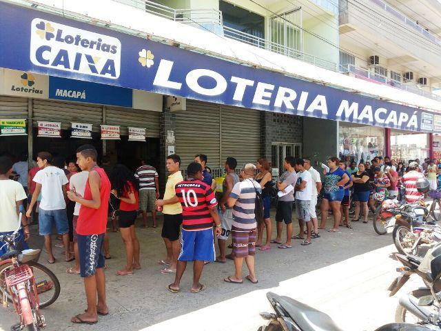 Macapaenses lotam casas lotéricas neste sábado, para pagar contas