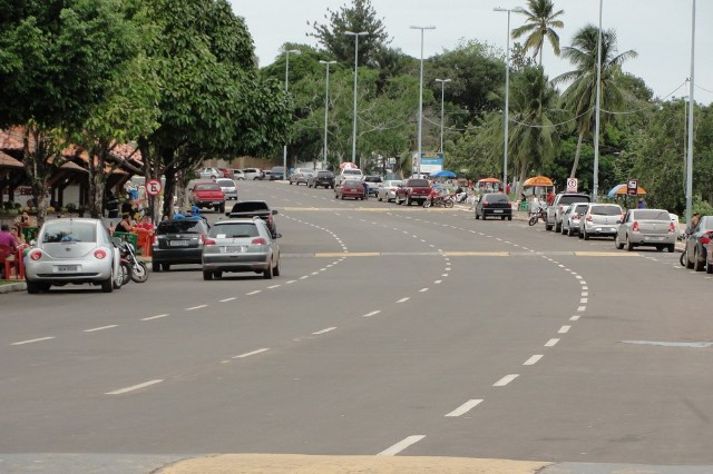 Prefeitura tem 60 dias para restringir número de ambulantes na orla de Macapá