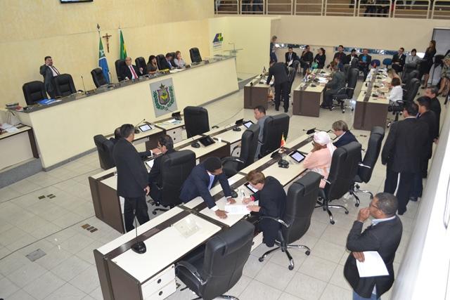 Deputados pedem que Estado chame 100 aprovados a mais no concurso da PM