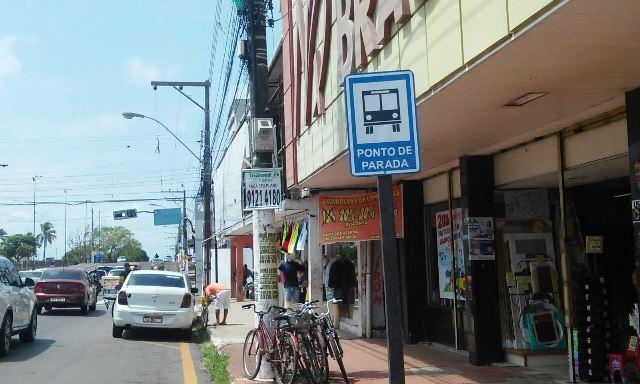 Lojistas querem retorno dos ônibus à Cândido Mendes