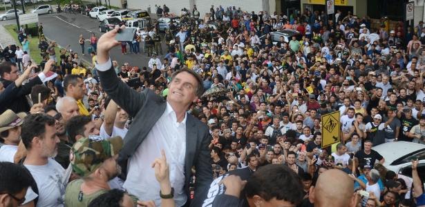 """""""Todo cambia"""": divagações políticas sobre o Brasil e o mundo"""